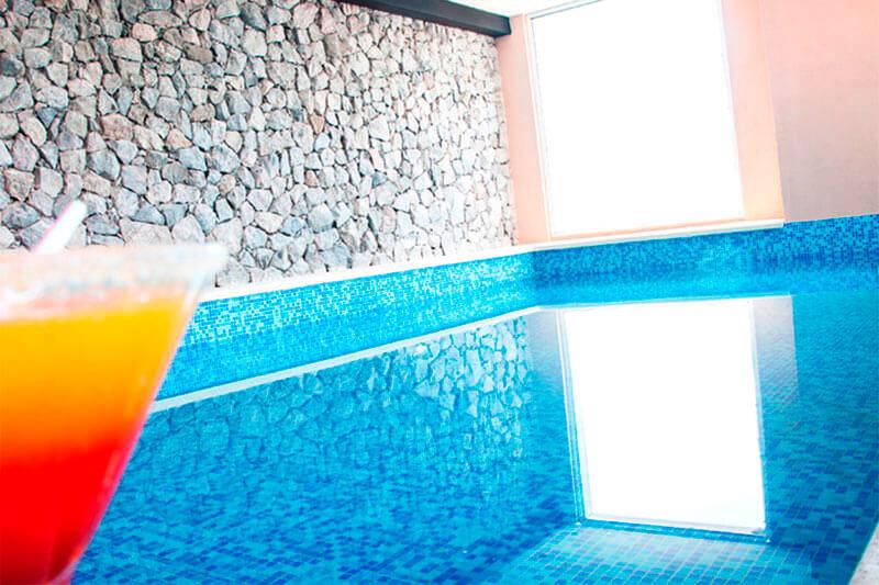 hoteles-con-piscina-climatizada-en-colonia-3