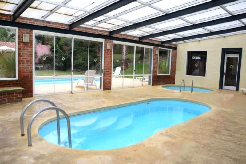 Hoteles con piscina climatizada en colonia for Hoteles con piscina climatizada
