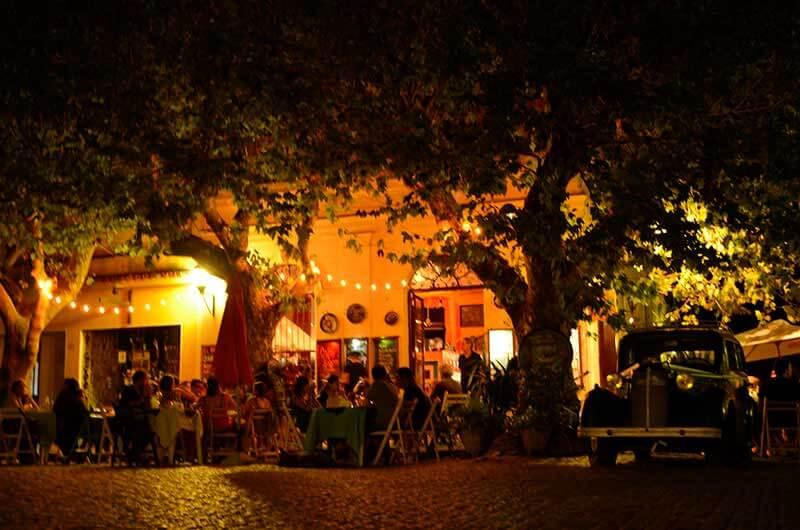 noche-en-colonia-del-sacramento-1