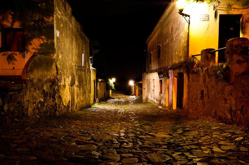 noche-en-colonia-del-sacramento-2